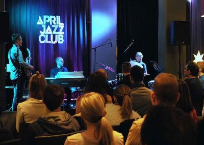 April Jazz club illat Tapiola Gardenissa.jpg