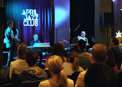April Jazz club illat Tapiola Gardenissa.jpg
