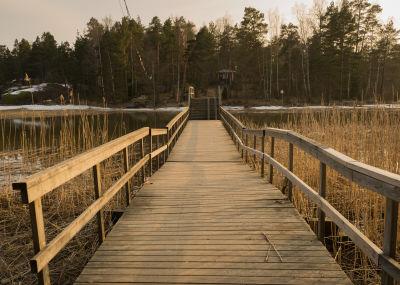 Linlo - silta - Kristina Salminen.jpg